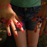 Kézműves gyűrűk piros, kék és lila színben